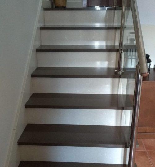Escaleras en blanco y negro